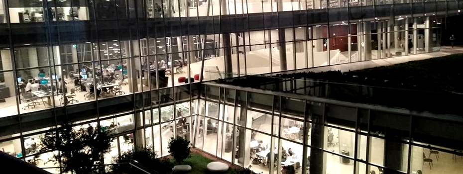 The new Byblos Library full of life during late hours
